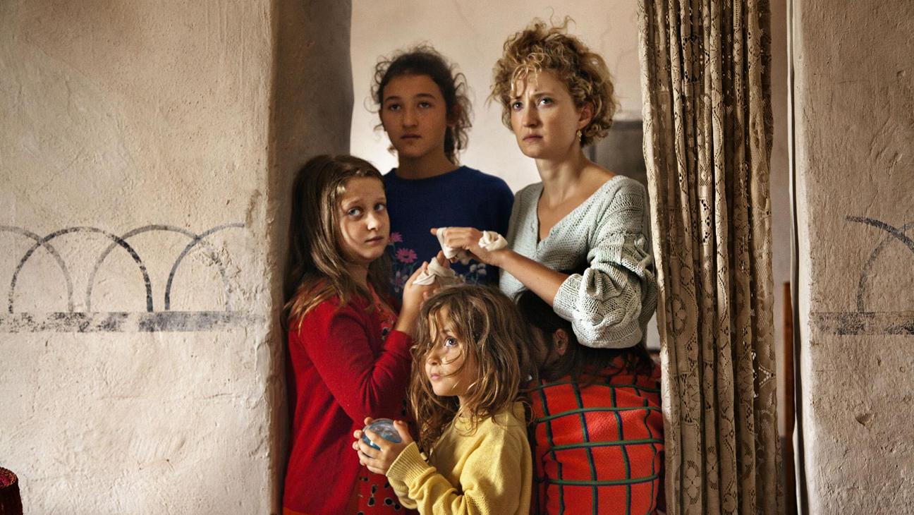 Family bonding in Alice Rohrwacher's The Wonders.