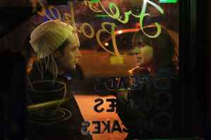a-photo-of-jude-law-and-cat-power-in-a-coffee-shop-taken-from-the-movie-my-blueberry-nights2